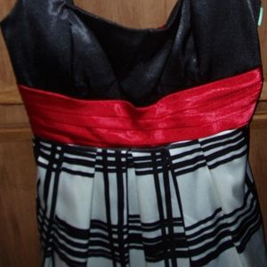 City Triangles Dresses - City Triangles Party Dress – Jr. Size 11